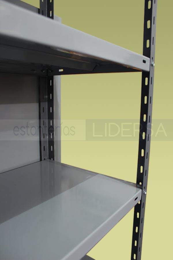 La estantería metálica se adapta a un amplio número de necesidades y prestaciones